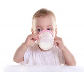 Mleko modyfikowane. Wszystko, co warto o nim wiedzieć