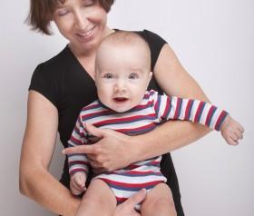jak nosić niemowlę