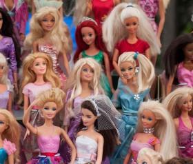 Lalki oraz akcesoria, które można kupić dziewczynce nie tylko na Gwiazdkę