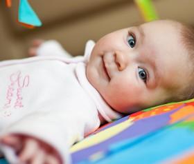 Mata edukacyjna dla niemowląt. 10 powodów dla których warto ją kupić