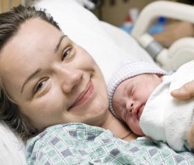 naturalny poród większa wieź z dzieckiem
