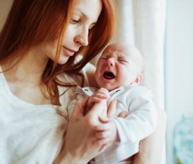 płacz niemowlę