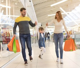 Jak zadbać o bezpieczeństwo dziecka w czasie zakupów?