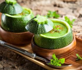 zielona zupa z cukinii