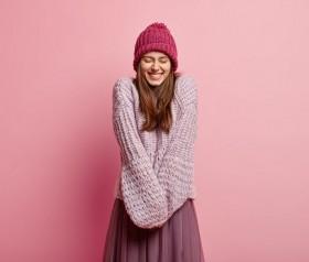 Zimowa pielęgnacja włosów – jak przygotować włosy na zmiany temperatur?