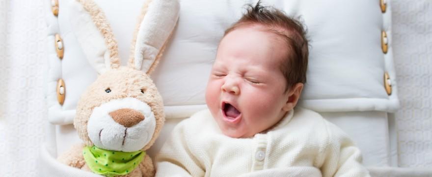 2 miesiąc życia niemowlaka, kalendarz rozwoju niemowlaka