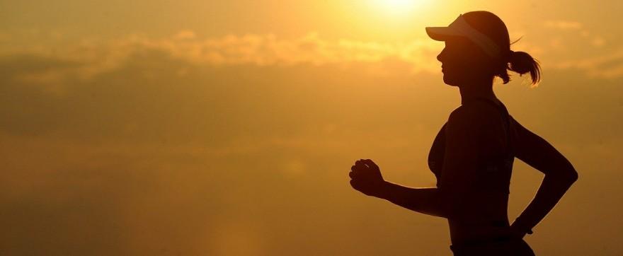 Jak wybrać koszulkę do biegania