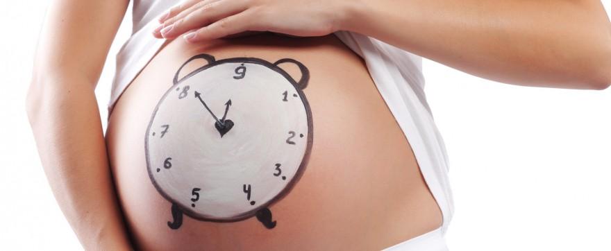 dlaczego poród się opóźnia