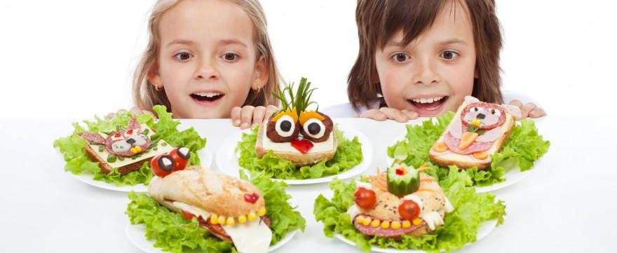 dzieci jedzą za słono