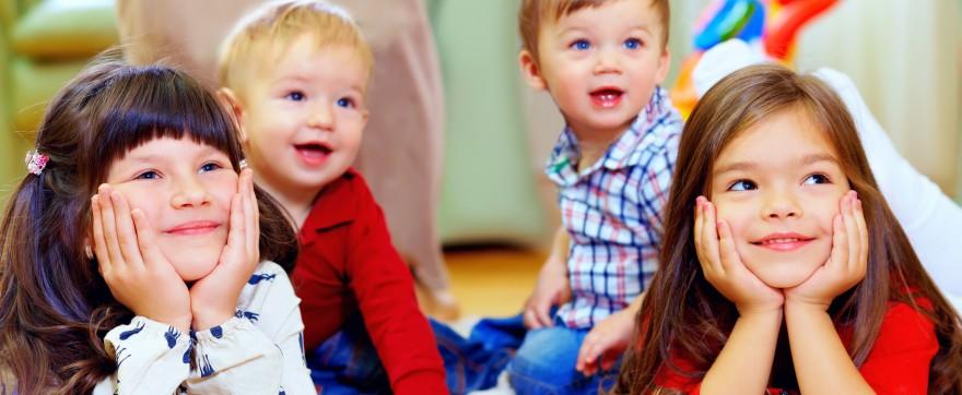 dziecko wykluczone z grupy rówieśniczej