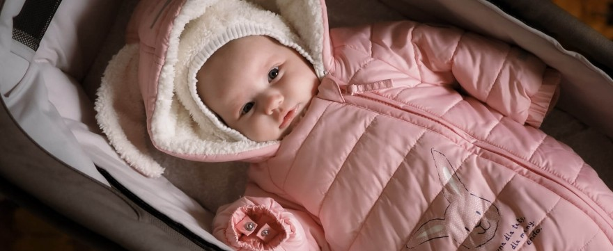 Ubieranie dziecka zimą – na jakie elementy postawić?