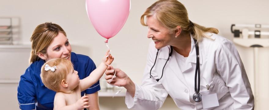dziecko boi się lekarza