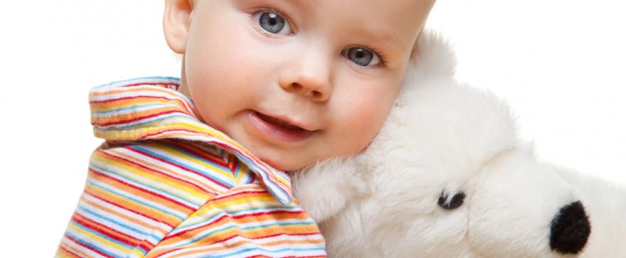 małe dziecko tworzy swój własny język