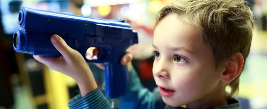 Militarne zabawki dla dzieci - kupować?