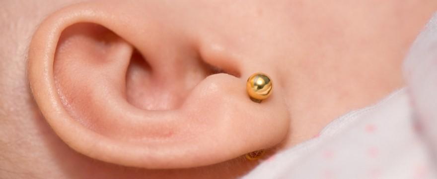 przekłuwanie uszu kolczyki dla dziewczynki