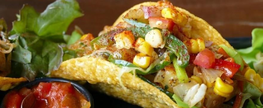 Tacos - prosta w wykonaniu, smaczna, meksykańska przekąska