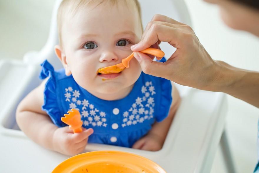 karmienie dziecka etapy