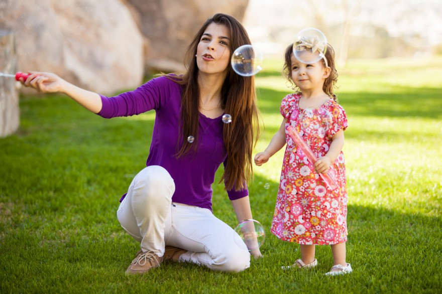 niania opiekunka do dziecka