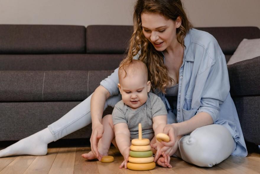 Jaki podarunek dla mamy niemowlaka?