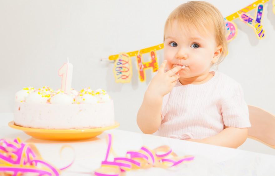 rozwój niemowlaka dwunasty miesiąc życia
